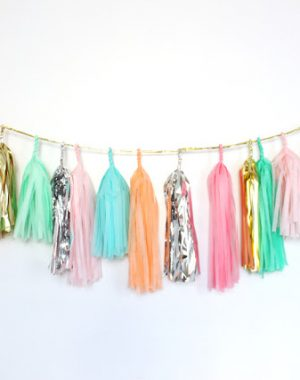 DIY tassel garland for pretty party decor!