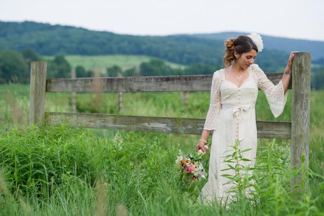 Handmade Vintage Wedding | Kaylan Buteyn Photography on Oh Lovely Day