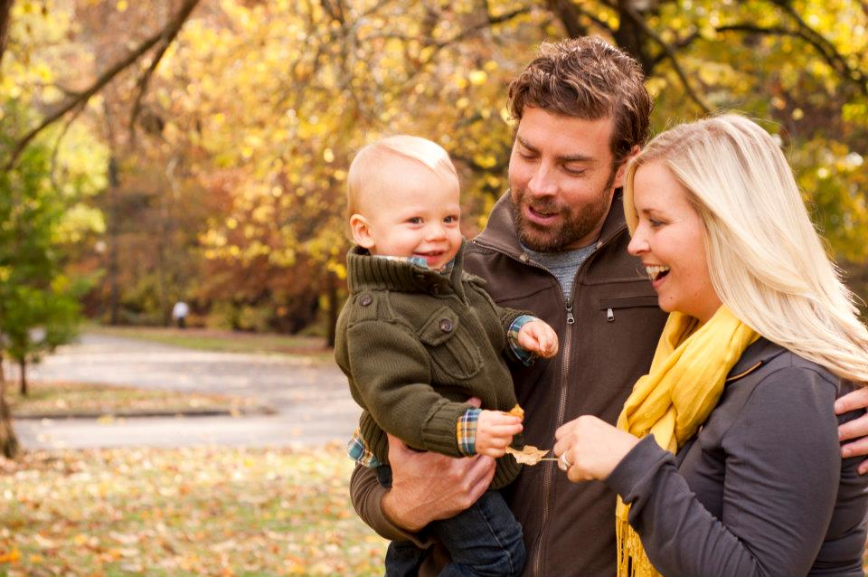 fall family photoshoot on oh lovely day