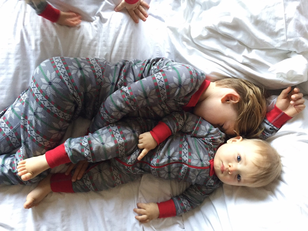 matching-family-holiday-pajamas-6