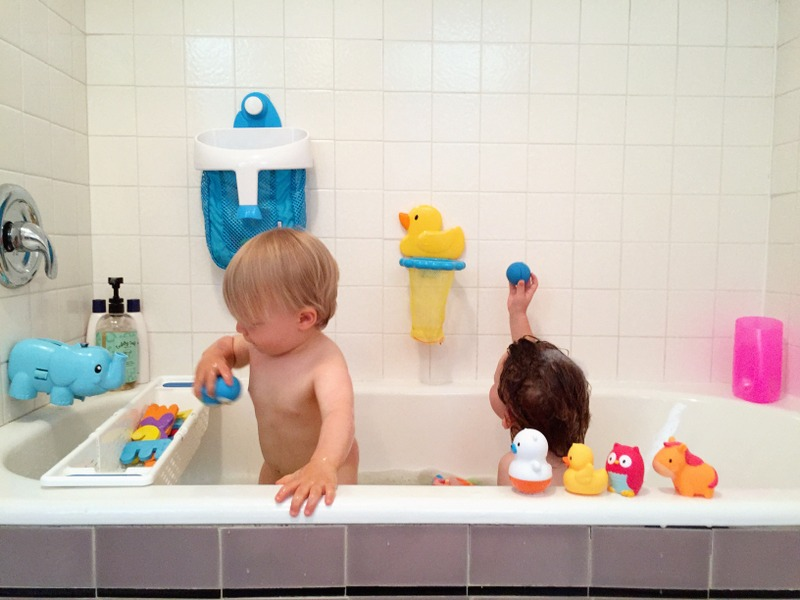 bathtime with toddlers 6