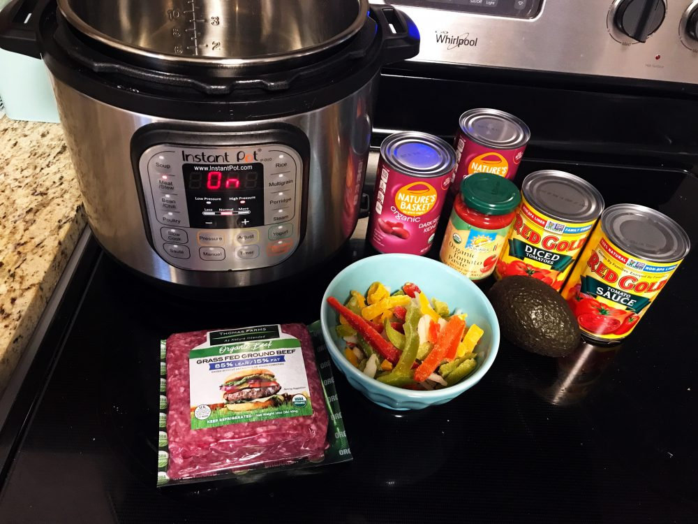 Simplifying Mealtime + A Quick and Delicious Paleo Chili recipe #gianteagledelivers #ad