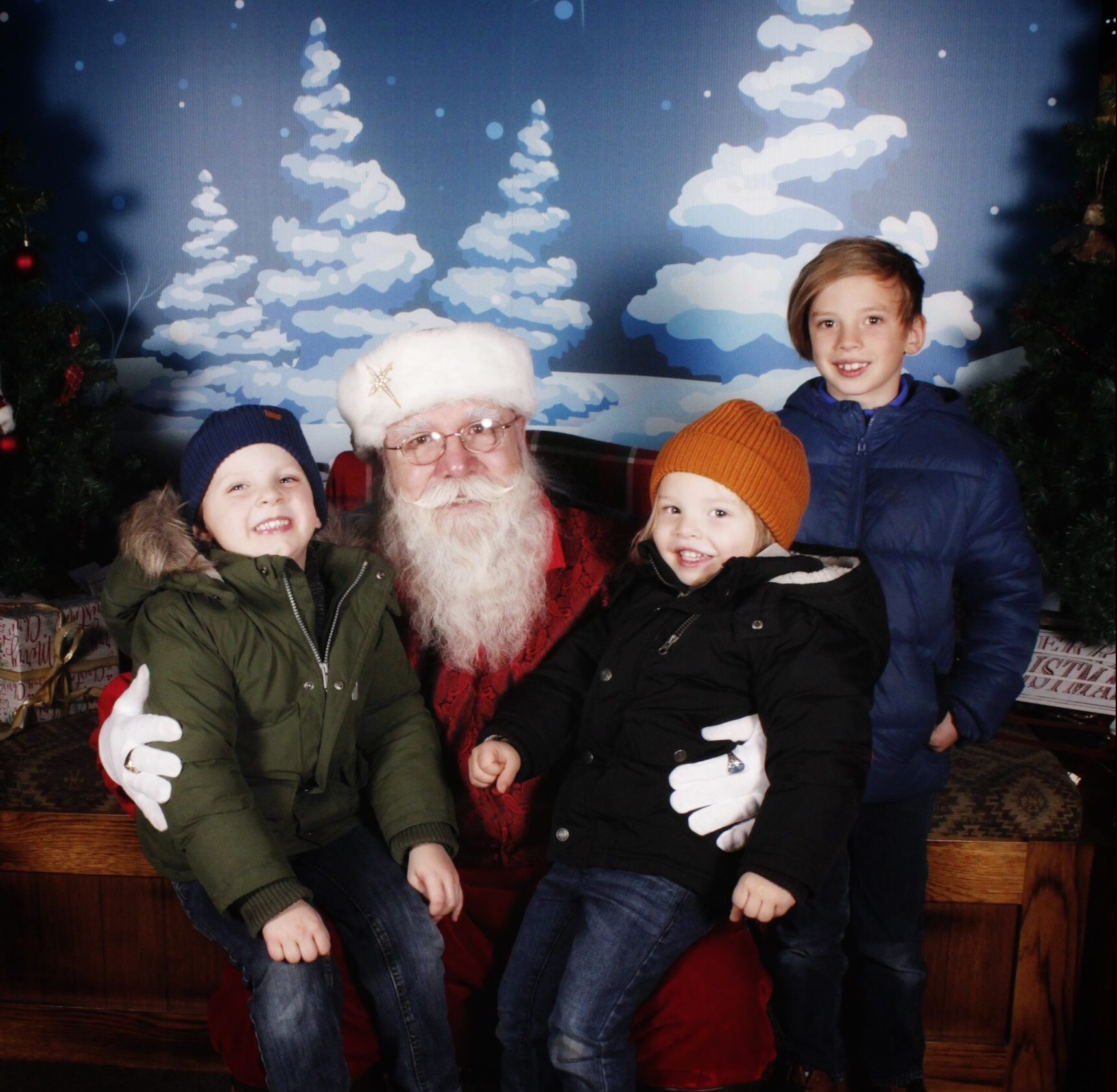 How and When we talked to our older child about Santa | Oh Lovely Day